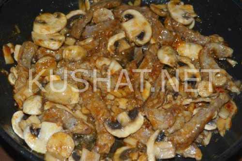 Рецепты бефстроганов с грибами: секреты выбора