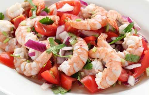 Салат из морепродуктов: порадуй себя вкусненьким