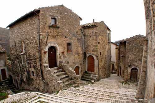 Окунитесь в атмосферу средневековья вместе с Италией
