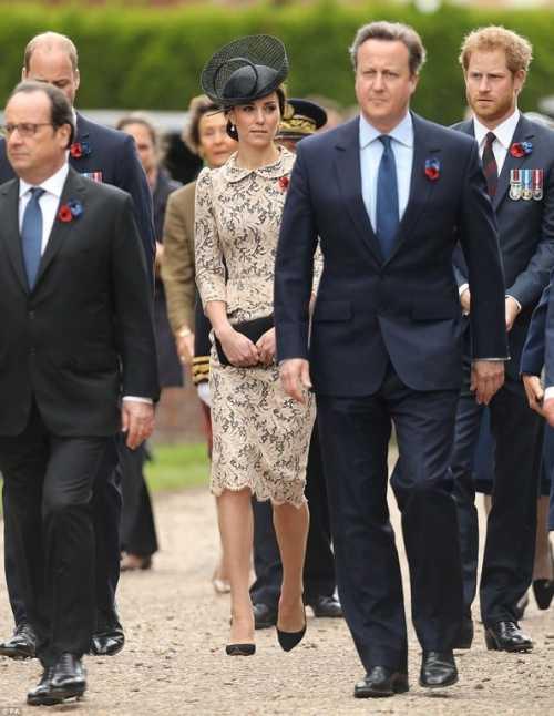 Кейт Миддлтон сбежала во Францию